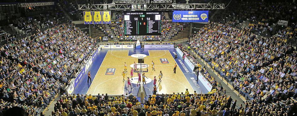 Basketballspiel in der großen EWE-Arena